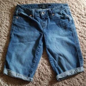 Calvin Klein Bermuda Shorts Size 27/4
